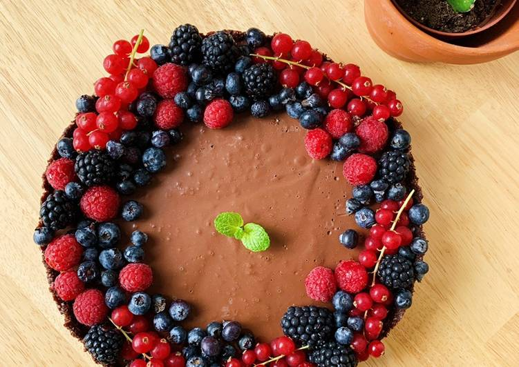 Raw Vegan Alpukat Chocolate Mousse Tart (tanpa oven)
