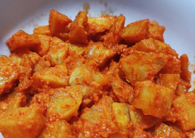 Balado kentang nyemek