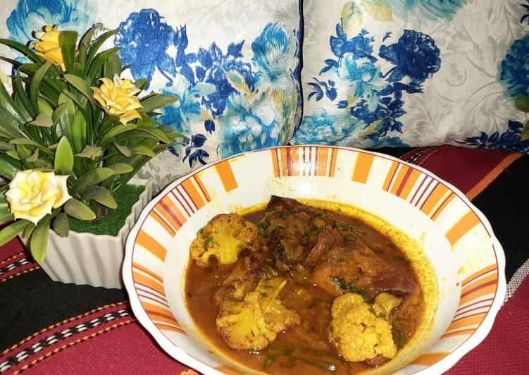 Easiest Way to Prepare Super Quick Homemade Fulkopi diye Katla Maach fish curry with cauliflower