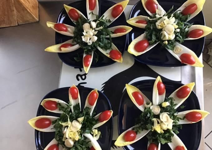 Salade de jeunes endives aux céleri et tomates cerises