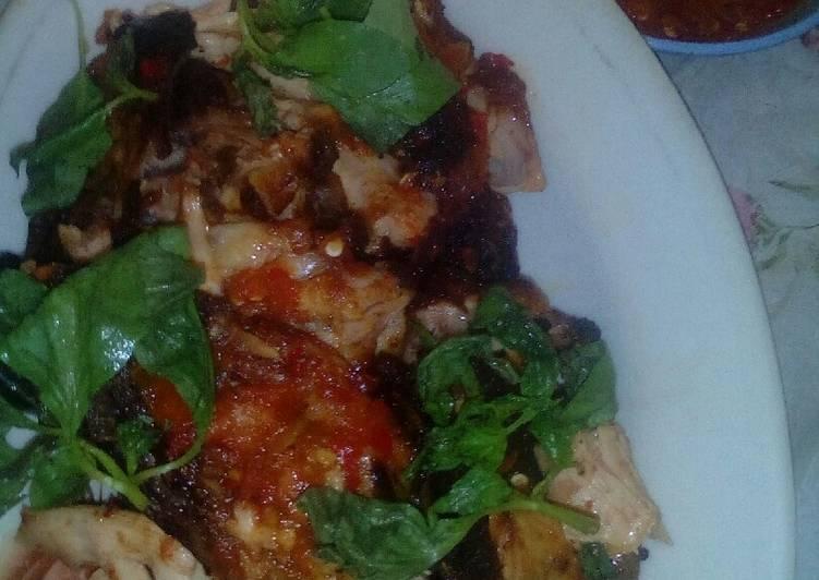 Ayam Gepuk Sambal Mentah Tomat