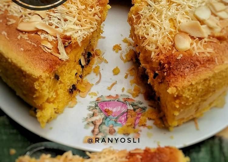 10. Pumpkin Cake with raisin and almond cheese-Bolu Labu Kuning