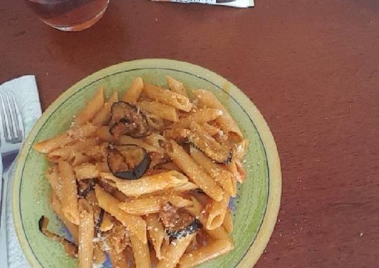 La Délicieuse Recette du Penne aubergine parmesan