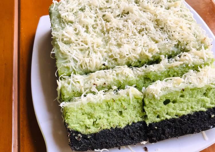 Matcha-Oreo Cake