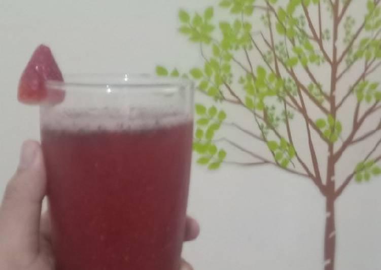 Strawberry chia juice