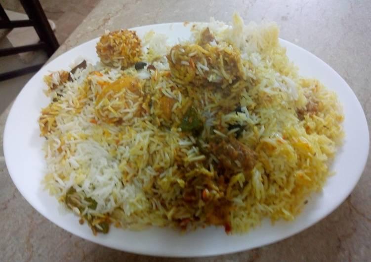 Hint to Cook Succulent Chicken Biryani