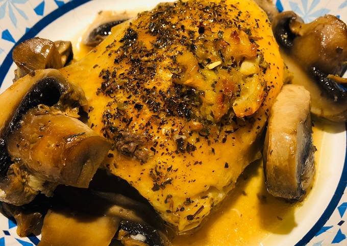 Baked Chicken with Mushrooms ????In White Wine ????