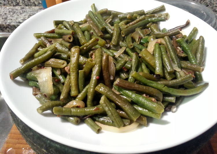 Steps to Make Award-winning Long Green Beans with Lentils
