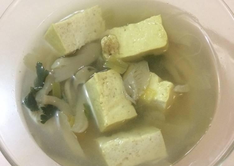 Resep Sayur Bening Jamur Tahu Yang Simple Pasti Endes
