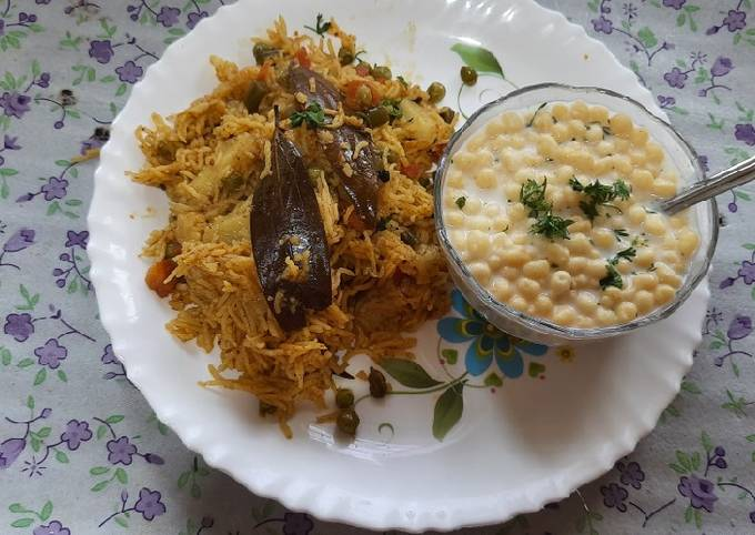 Easiest Way to Prepare Jamie Oliver Mix vegetables pulao with boondi raita