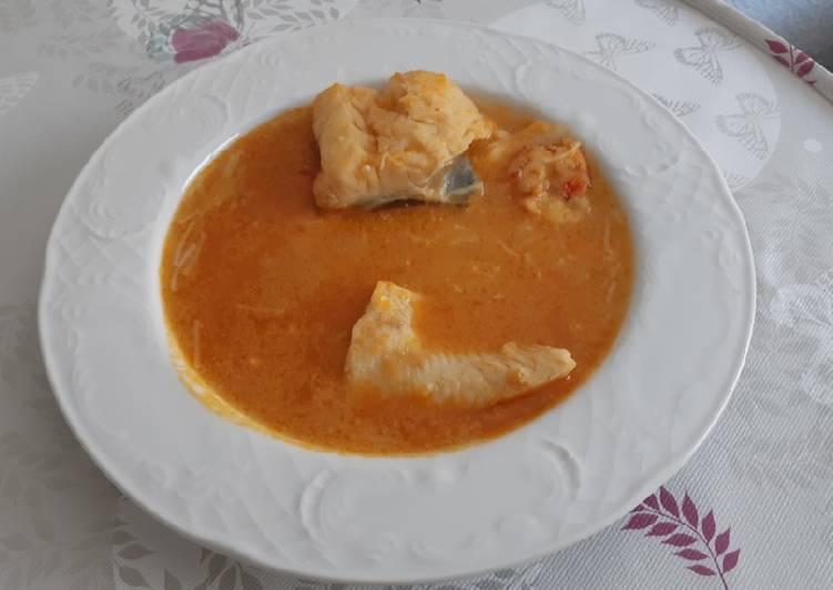 Sopa de pescado ligera