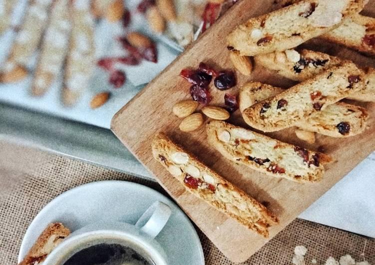 Almond Biscotti - resepipouler.com