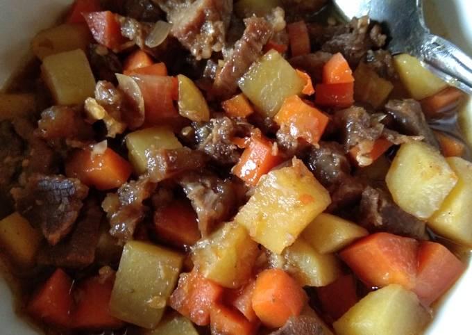 Tumis daging kentang wortel