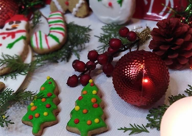 Recette biscuits de Noël au glaçage royal