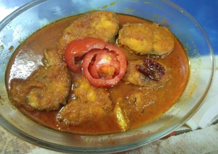 Recipe of Speedy Raho fish curry with tomato gravy