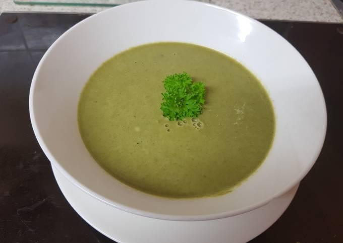 My Creamed Roast Garlic, Asparagus & Spinach Soup