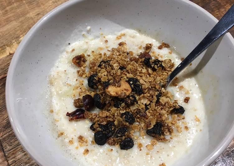 OatMilk Porridge with Granola