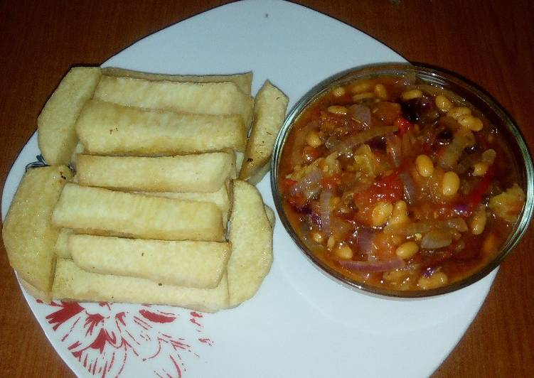 Recipe of Perfect Fried yam and baked beans sauce