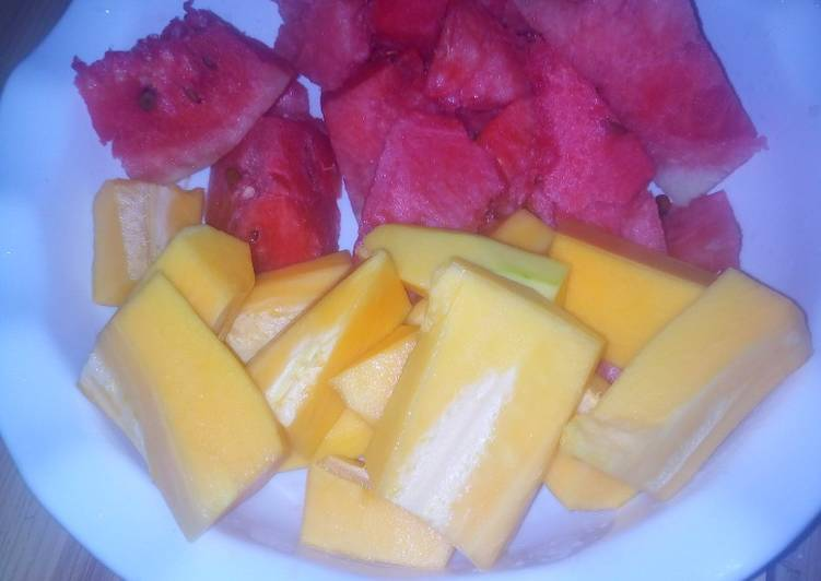 Easiest Way to Prepare Any-night-of-the-week Watermelon and papaya