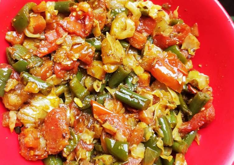 Steps to Prepare Perfect Mix Veggies Curry