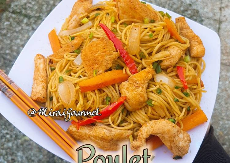 La Meilleur Recette De Nouilles Poulet Chow Mein