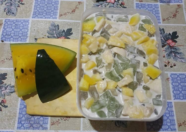 Salad buah jely
