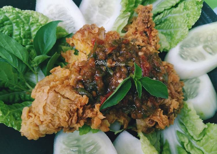 Ayam geprek crispy sambal orek