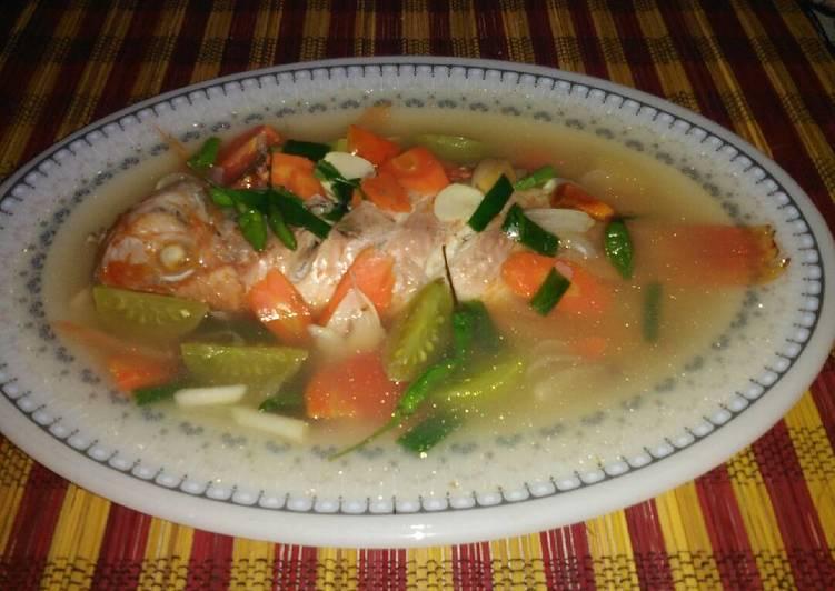 Cara Gampang Menyiapkan Sup ikan nila merah sueger yang Bikin Ngiler