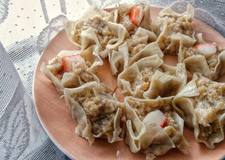 Siomay Ayam Udang / Steamed Chicken and Shrimp Dumplings