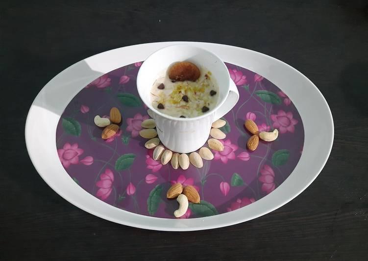 Recipe of Homemade Mix dryfruit milkshake