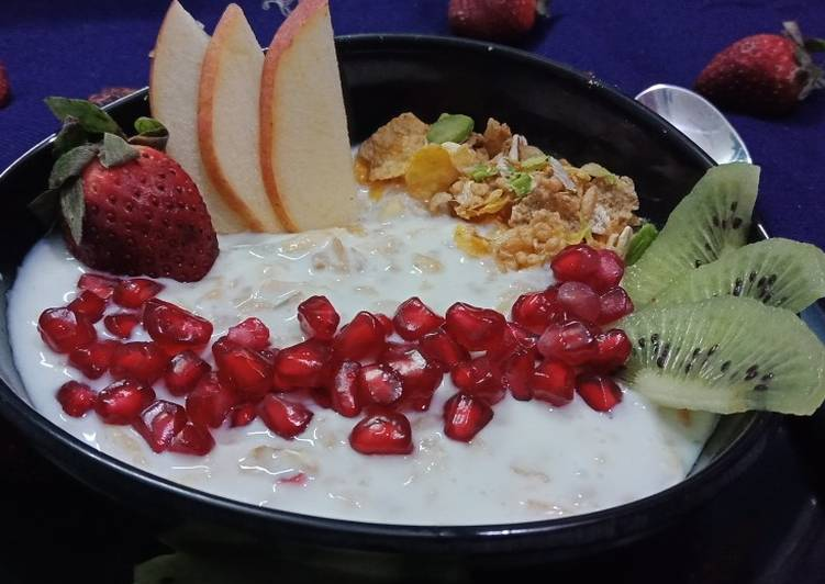 Easiest Way to Make Super Quick Homemade Yoghurt muesli with fresh fruit and nuts