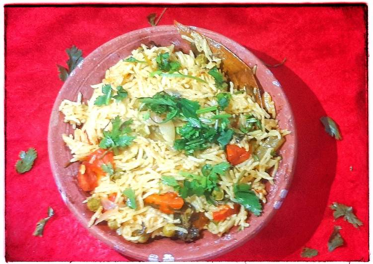 10 Minute Easiest Way to Make Any Night Of The Week Vegetable Cooker Biryani