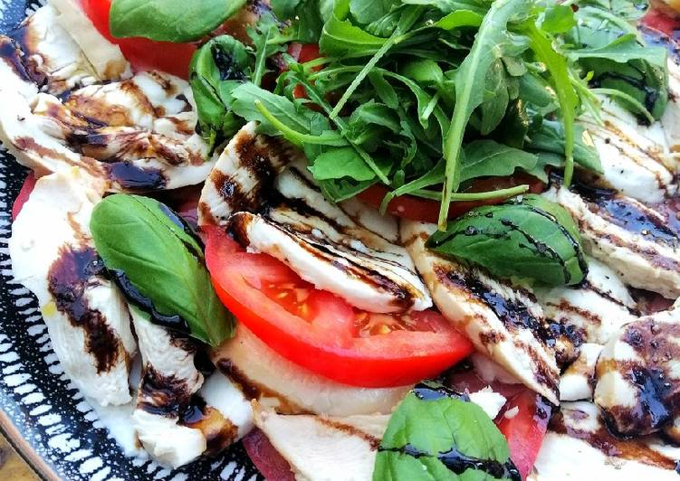Recipe: Perfect Smoked chicken caprese salad