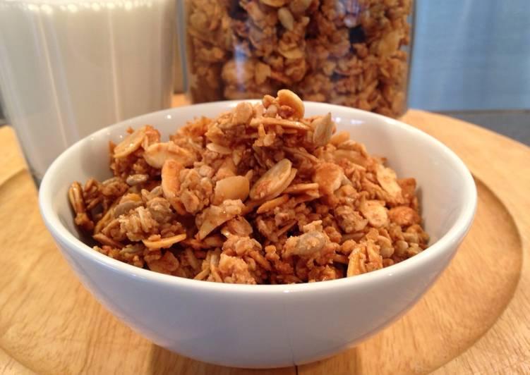 Recipe of Award-winning Maple and Almond Granola