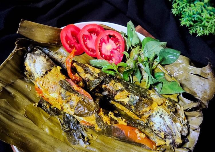 Pepes Ikan Gabus Bumbu Kuning