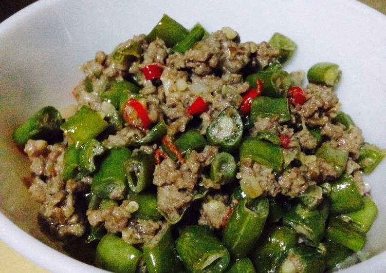 Green Beans in Spicy Coconut Milk (Filipino Gising-Gising), Coconut Oil Is Really A Fantastic Product And Can In Addition Be Advantageous For Your Health