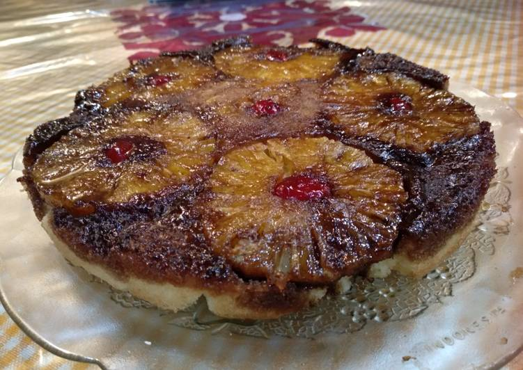 Pineapple upside and down cake