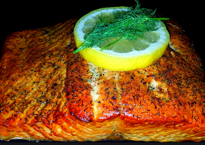 Mike's Smoked Wild Alaskan King Salmon Fillets & Grilled Asparagus