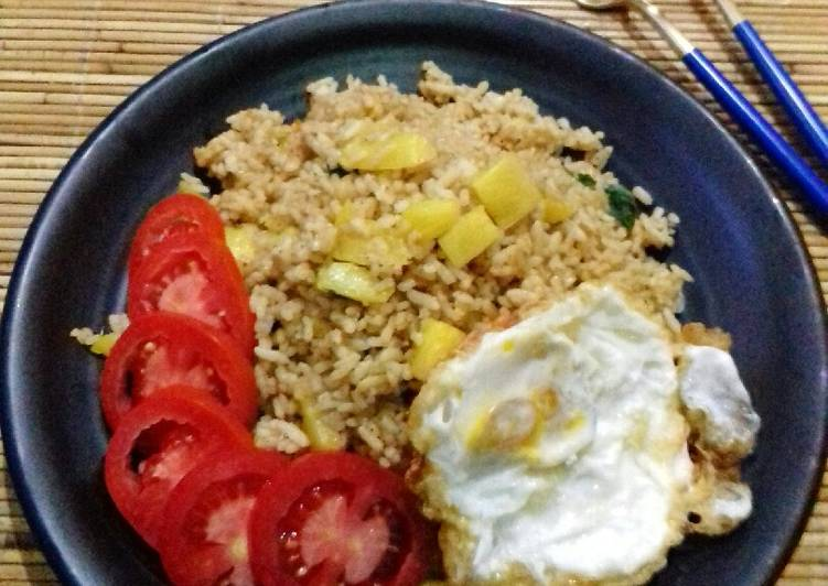 Nasi Goreng Nanas Thailand (Thai Pineapple Stir Fried Rice)