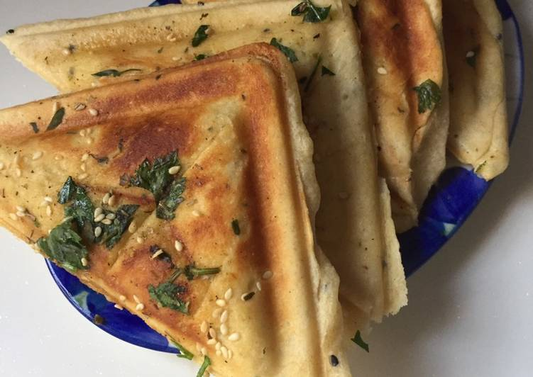 Garlic bread with garlic mayo corn