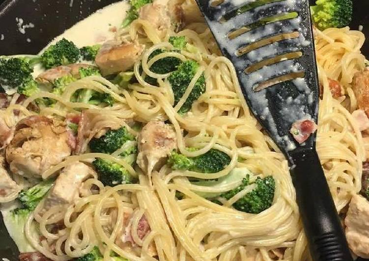 Creamy Broccoli, Chicken, Bacon Pasta