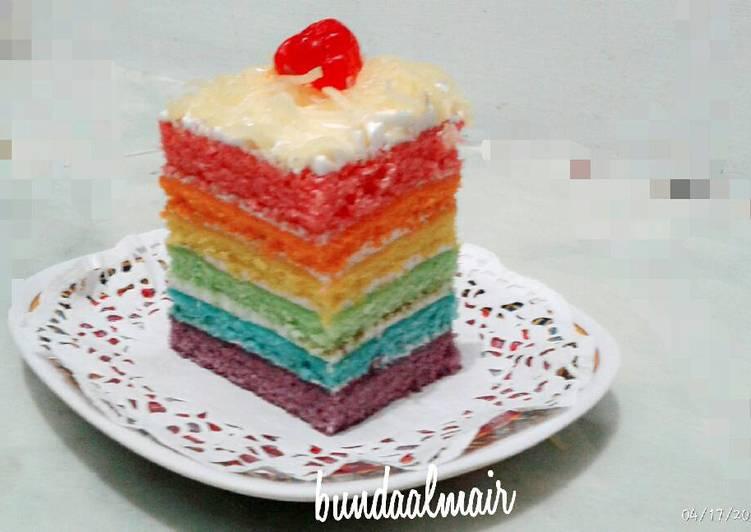 Resep Rainbow Cake Panggang Ny.Liem oleh mindy aulia - Cookpad