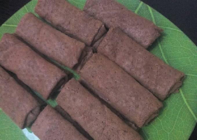 Cara Mudah Membuat Dadar Gulung Coklat Meises, Enak Banget