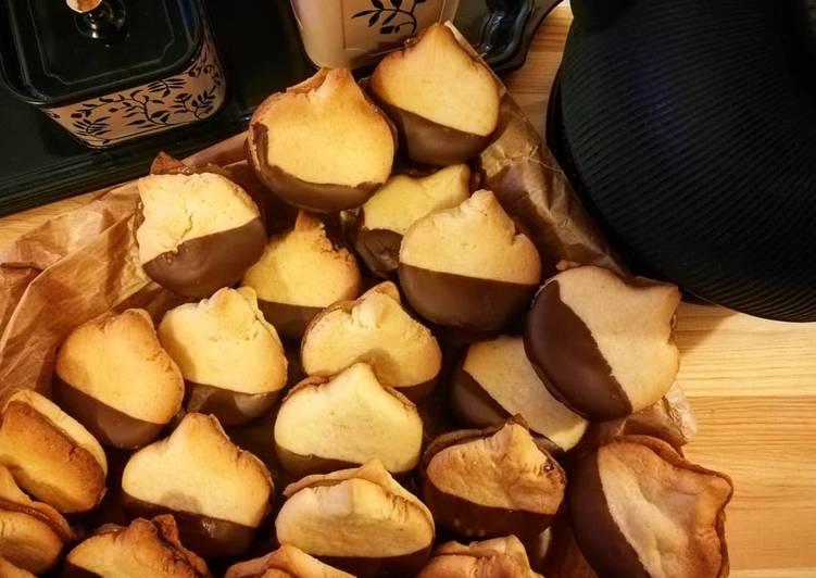 Castagnetti (biscotti alla crema di castagne)