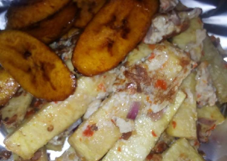 Yam into egg with plantain