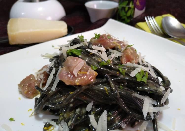 Espaguetis Nero a la carbonara de atún by Dabiz Muñoz