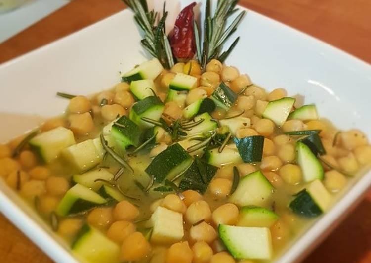 Zuppa vellutata di ceci e zucchine ♡