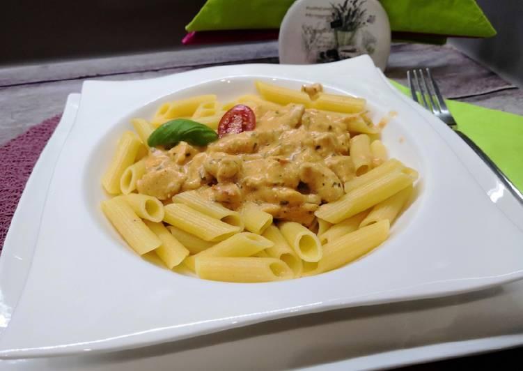 Glutén és tejmentes magyaros csirke ragu tésztával recept foto