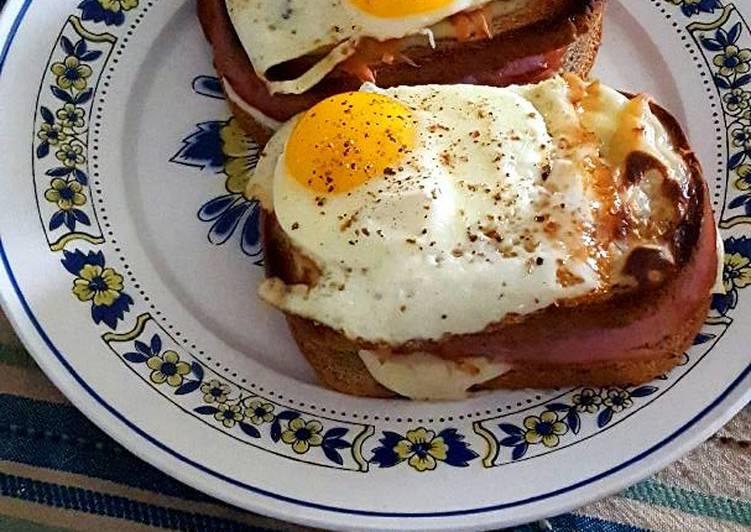 How to Prepare Homemade Ham and cheese gruyere croque madame