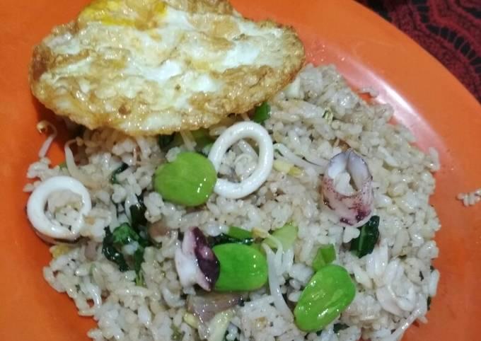 Cara Gampang Membuat Nasi Goreng Cumi Pete Yang Lezat Sekali Resep Nasi Goreng